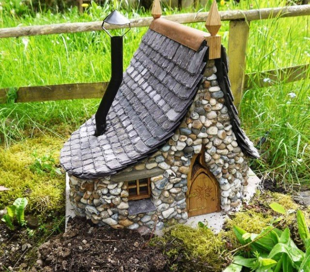 Incre bles casas de piedra en miniatura for Casas de plastico para jardin mexico