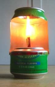 Cómo hacer una lámpara de aceite con una lata