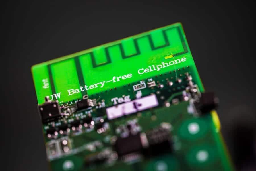 Primer móvil sin batería