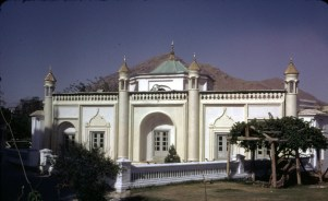 """A mosque building stands west to the mausoleum of King Abdul Rahman -- in the present Zarnigar Park, center of Kabul -- which was the Bostan Serai built by King Habibullah (son of King Abdul Rahman). Today is stands as a store room for the Department of Preservation of Monuments, Ministry of Culture."""