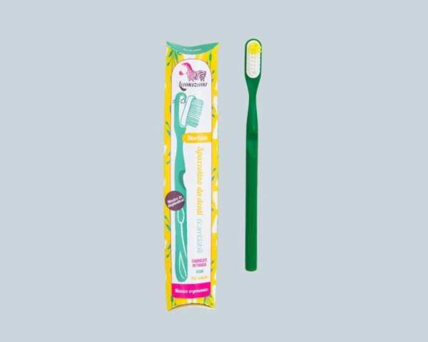 Lamazuna-Spazzolino-in-Bioplastica-con-Testina-Intercambiabile-Verde-Packaging-820x656