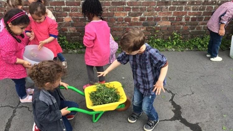 Inscription Atelier jardinage Montessori école maternelle roubaix 2 ans