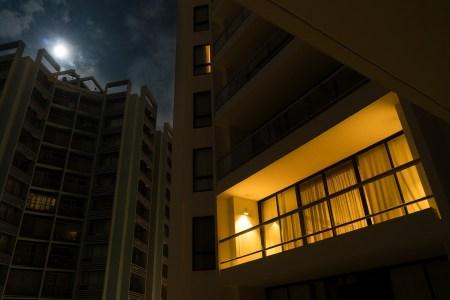 night-2090192_1920