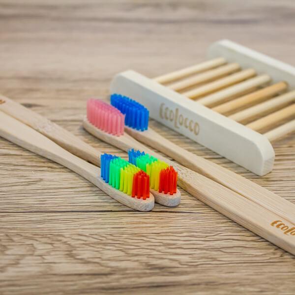 Farebné bambusové kefky