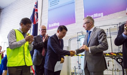MR. Jeong Wook SEO, Senior Vice President, Daejoo-KC Group and the Hon Paul FLETCHER MP, Federal Minister for Urban Infrastructure and Cities, with EcoMag's Professor Tam TRAN, Chief Technology Officer and Tony CRIMMINS, Executive Chairman.