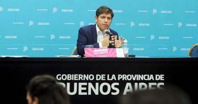 Kicillof toma juramento a sus nuevos ministros en un teatro de La Plata
