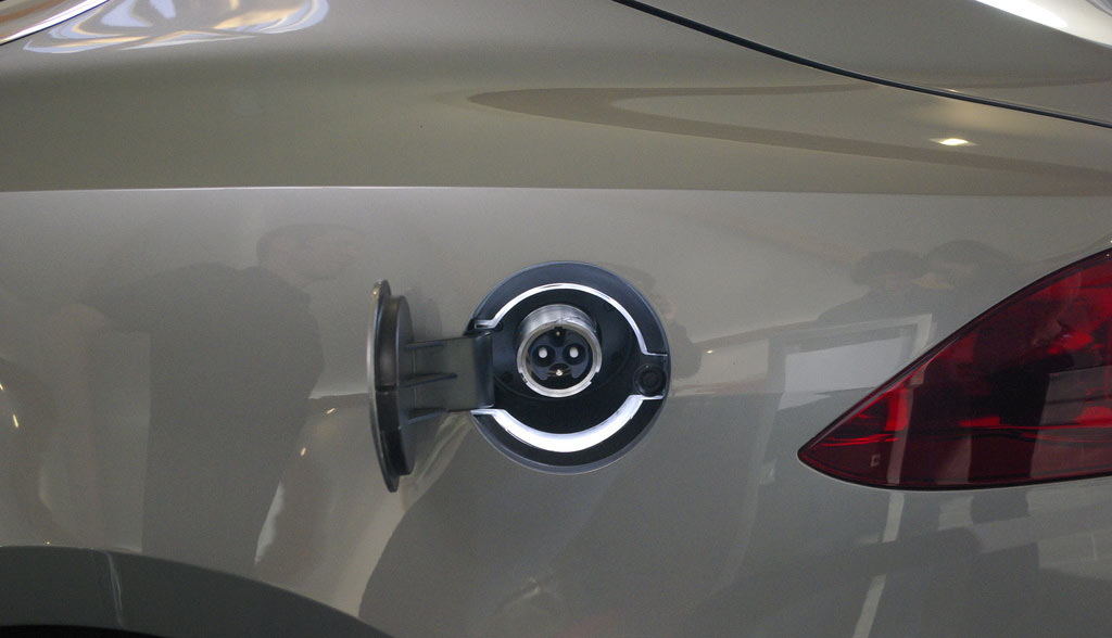 Tesla-Model-3-2016