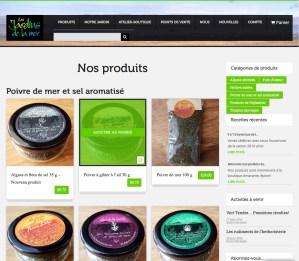 Boutique en ligne avec options de livraison intégrées au calcul du prix.