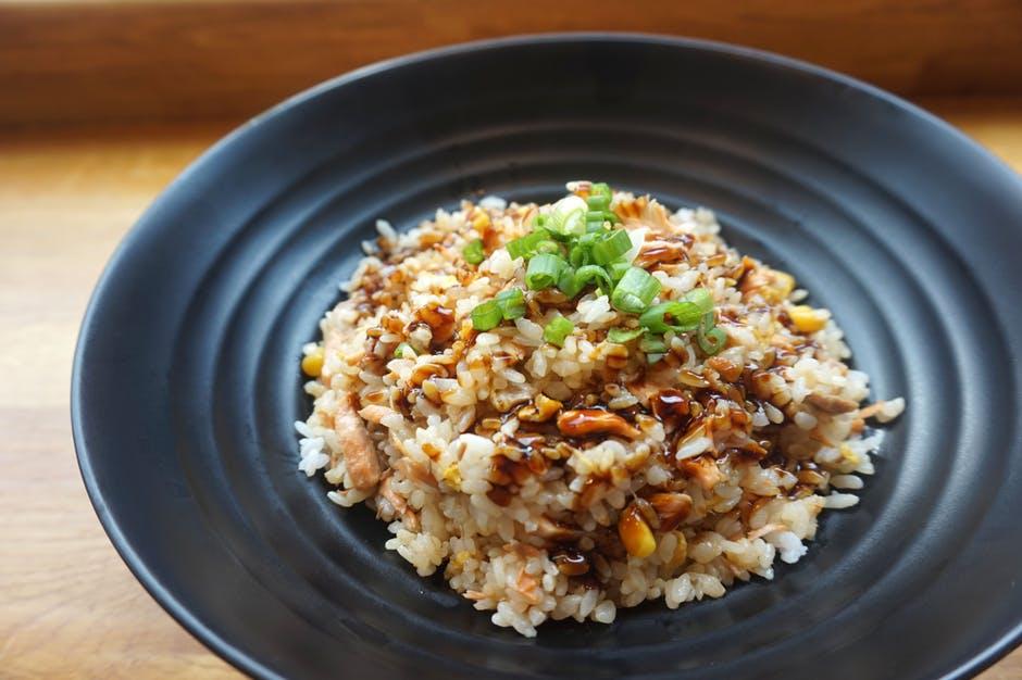 piatto di riso e mandorle