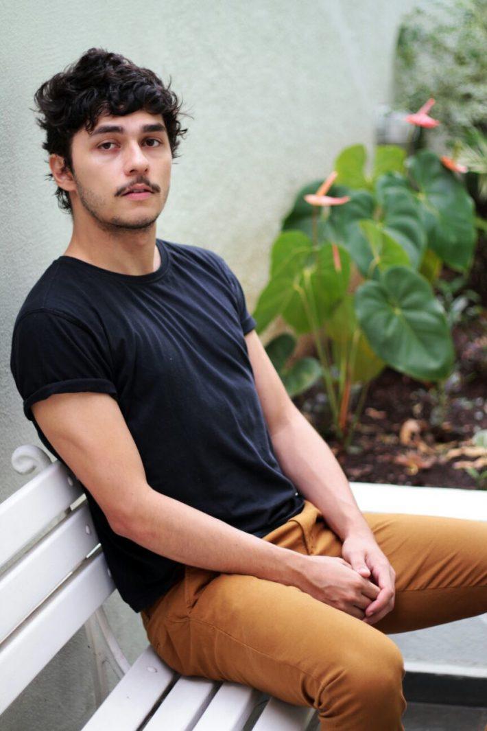 Igor Morais, deixou engenharia e publicidade para ser ator