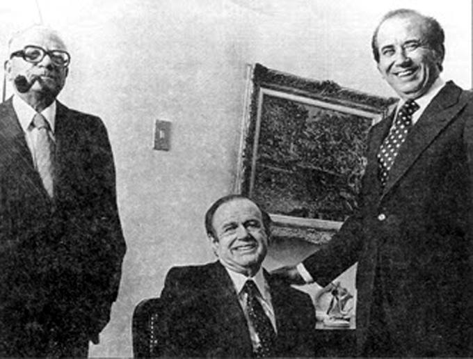El partido Acción Democrática y sus principales líderes, Rómulo Betancourt y Carlos Andrés Pérez, fueron los socios políticos de Diego Cisneros. El poder económico ha estado siempre al lado del poder político.