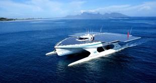 """""""Rice For Water"""" gigantesco catamarán que lucha contra la contaminación plástica"""