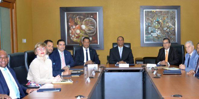 SIB y CAPTAC-RD se reúnen para fortalecer la supervisión consolidada