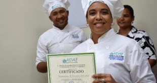 Centro de Formación en Hotelería y Turismo gradúa a 138 jóvenes