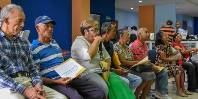 Jubilados y pensionados cobrarán su sueldo del 20 de abril al 1 de mayo