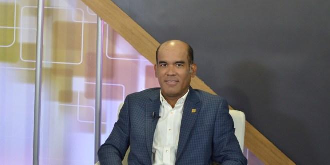 Víctor José Rojas de Seguros Reservas dice mercado asegurador ha mantenido crecimiento