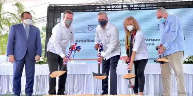 Abinader asiste a  ampliación Tabacalera García mayor productora de cigarros del mundo