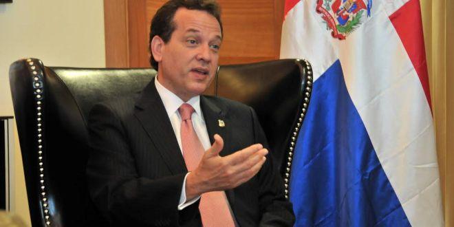 Ministro Víctor Bisonó  destaca recuperación 97% de empleos perdidos en zonas francas