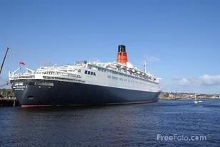 QE2 Queen Elizabeth 2 visits Tyne for the last time