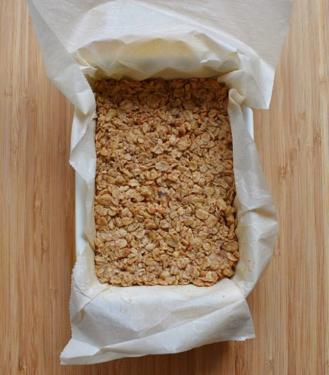 Low Sugar Granola Bars in Baking Dish