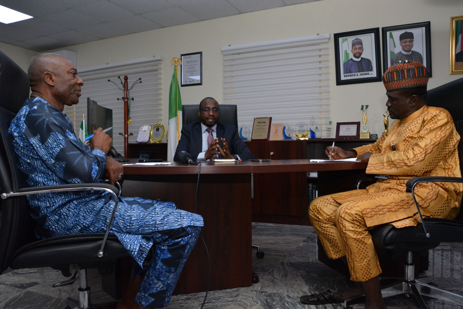 DG NITDA Kashifu Inuwa with Editorial Team of the Economic Confidential