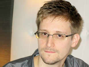 https://i1.wp.com/economictimes.indiatimes.com/thumb/msid-20516148,width-310,resizemode-4/edward-snowden-ex-cia-worker-who-blew-the-lid-on-nsas-surveillance-program.jpg