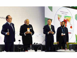 Prime Minister Narendra Modi, French President Francois Hollande, United Nations Secretary General Ban Ki-moon and Minister of State for Environment, Forest and Climate Change Prakash Javadekar during the International Solar Alliance in Paris.