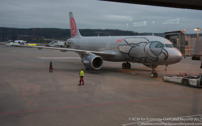 Niki Airbus A320 (old colours, Shot 2012), Image - Economy Class and Beyond