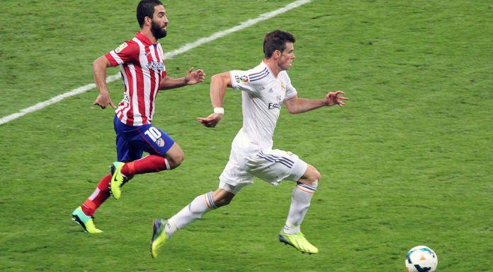 Real_Madrid_vs_Atlético_Madrid_-_28_September_2013_-_Arda_Turan_and_Gareth_Bale