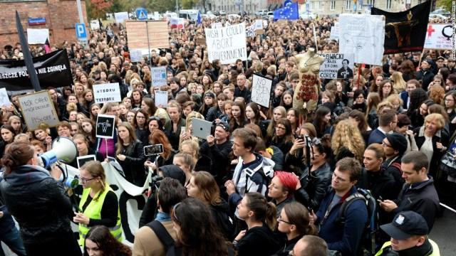 poland-abortion-march.jpg