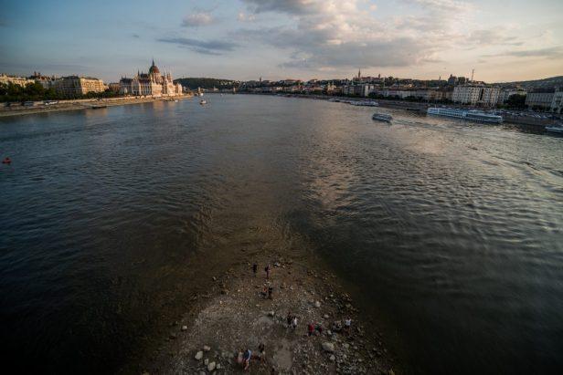 À Budapest, le Danube a reculé à 0,61 mètre.