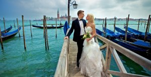 La planification d'un mariage à l'étranger peut être un peu plus délicate qu'à la maison.