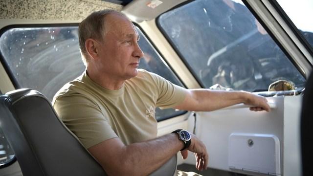 Vladimir Poutine met en scène ses activités extra-politique