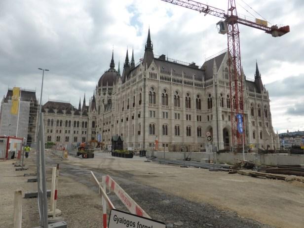 budapest-parliament-construction