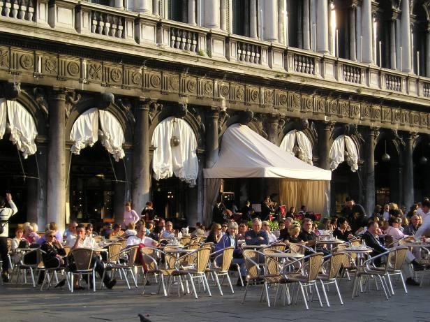 Le maire de Venise souhaite plus de professionnalisme dans les services