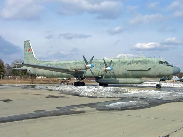Ilyushin_Il-20M_(1)
