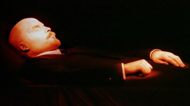 Le corps de Vladimir Lénine repose dans le mausolée. © Reuters