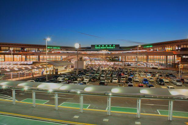 The_night_view_of_Tokyo_Narita_Airport_Terminal_1