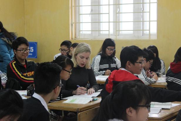 volunteer-teach-french-vietnam