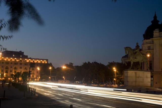 Revolution-Square-night-Bucharest