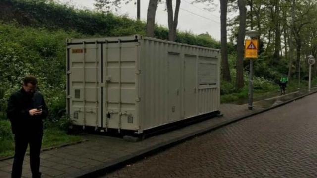 24986-airbnb-schiffscontainer-amsterdam
