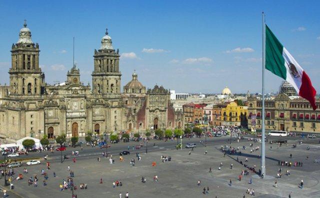 zocalo-plaza-de-la-constitucion