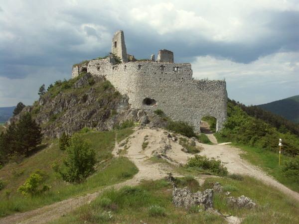 Les terribles secrets des ruines du château de Čachtice