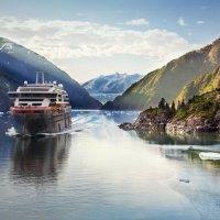 Le navire d'expédition hybride de Hurtigruten