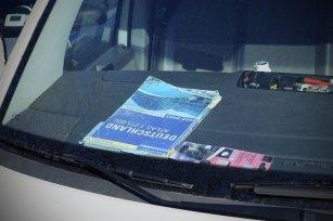 16.03.2016, Autoatlas in einem Auto, Auto, Fahrzeug, Orientierung, Atlas, Autoatlas16 03 2016 Road Atlas in a Car Car Vehicle Orientation Atlas Road Atlas