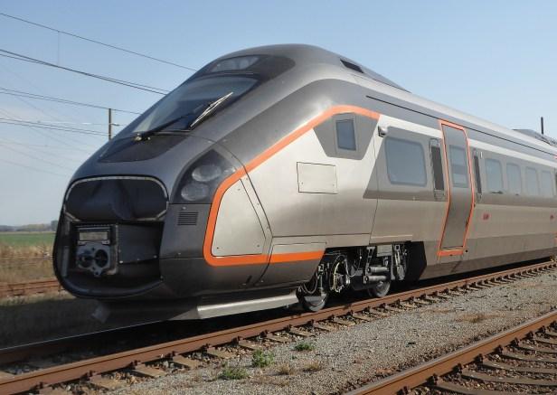 Flytoget_Oaris_auf_dem_Eisenbahnversuchsring_Velim_CZ