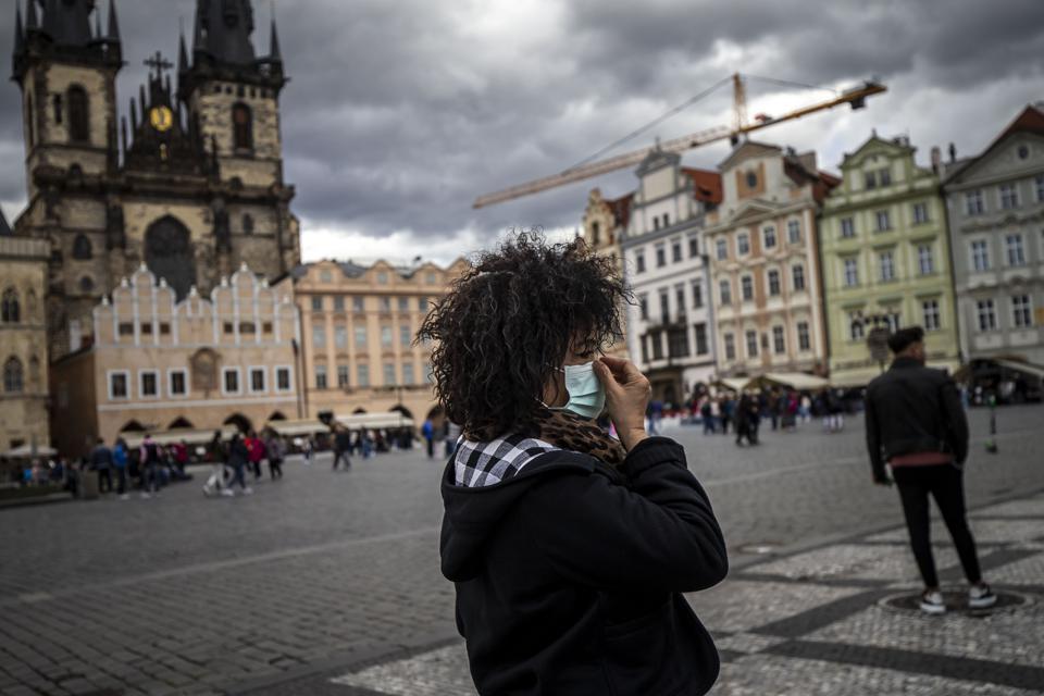 Le pic de coronavirus tchèque se poursuit alors que les cas atteignent 16000