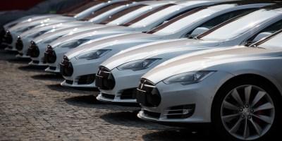Lithium, batteries : la flambée en Bourse de Tesla profite à une galaxie d'entreprises