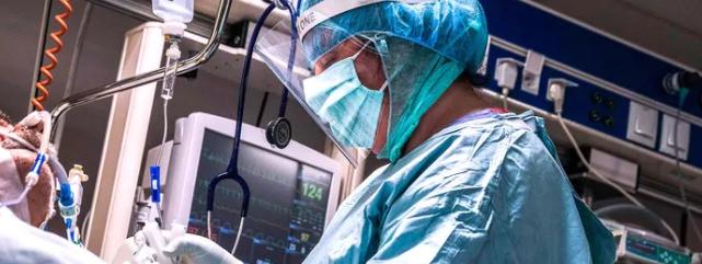 Comment la Pologne veut attirer des médecins étrangers dans le pays