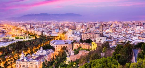 L'Espagne enregistre une baisse record de son PIB en 2020, espère 2021 en équilibre